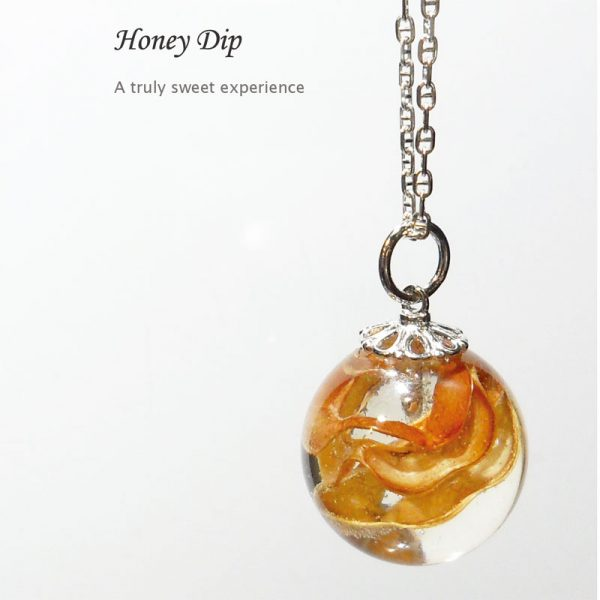 BOTANIGEM Honey Dip Necklace