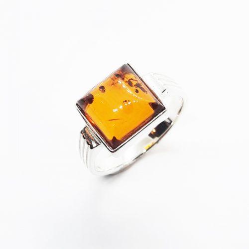 Amber ring AC179